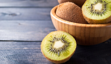 kiwi in a plate